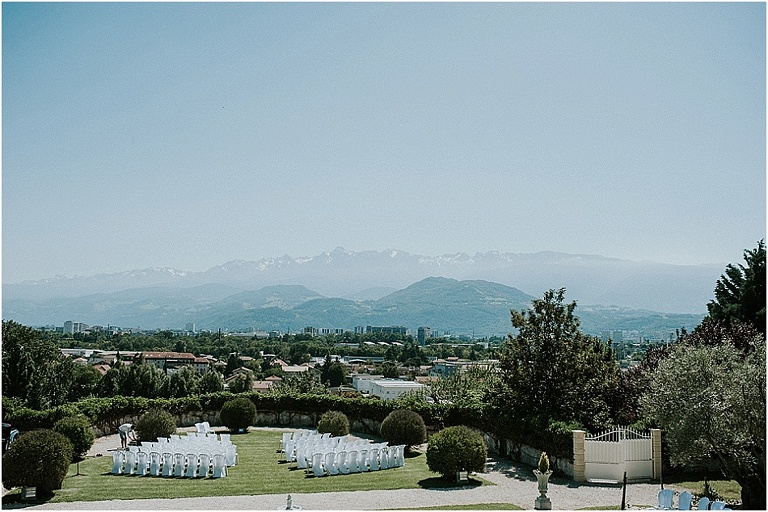 weddinf in a French chateau surrounded by the mountain