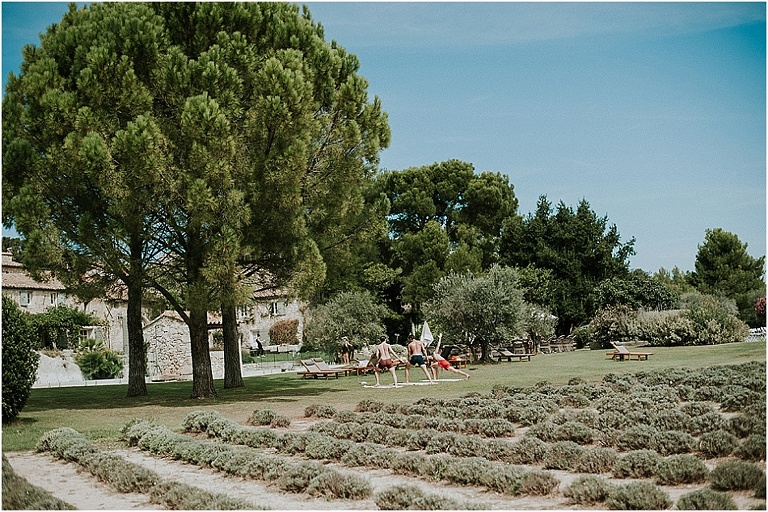 wedding in the south of France at le mas de la rose